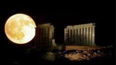 月は人工の物体か?=科学者の推測