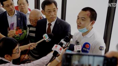 【動画ニュース】香港空港で殴られた記者 国家安全部所属の疑惑